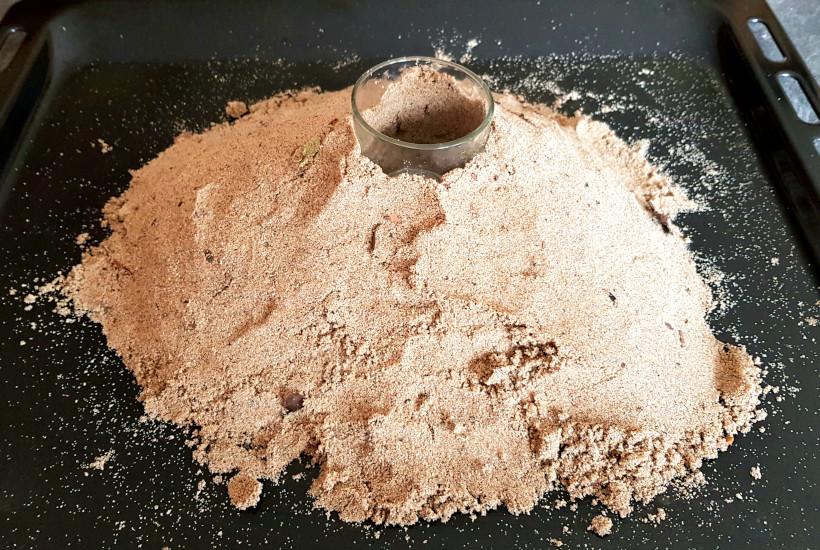 création d'un volcan avec du sable