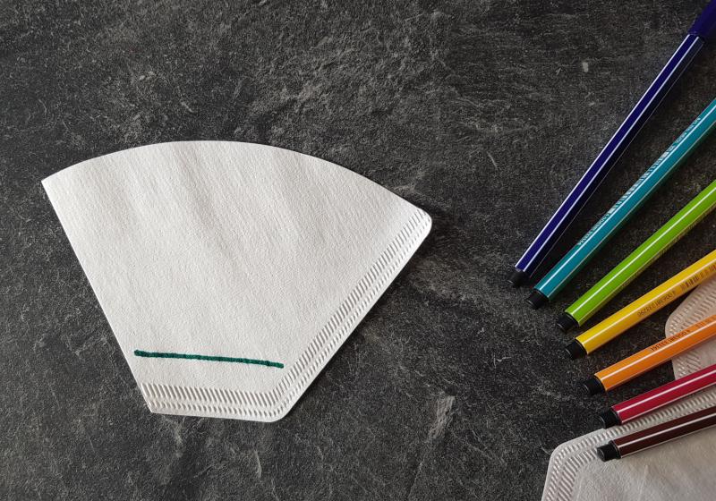 tracer un trait de couleur sur un filtre à café