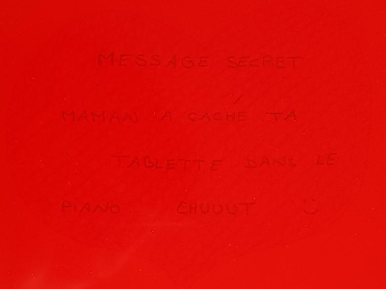 message décodé avec filtre rouge