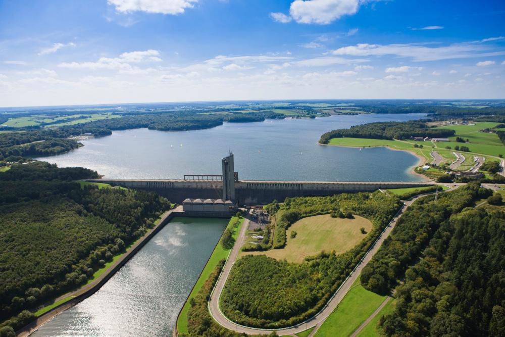 vue aérienne du barrage eau d'heure