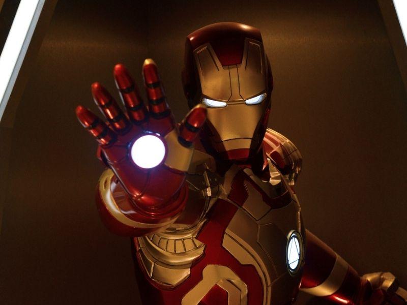 Iron man est un cyborg, pas un robot